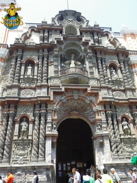 The ornate entrance to the church of La Merced