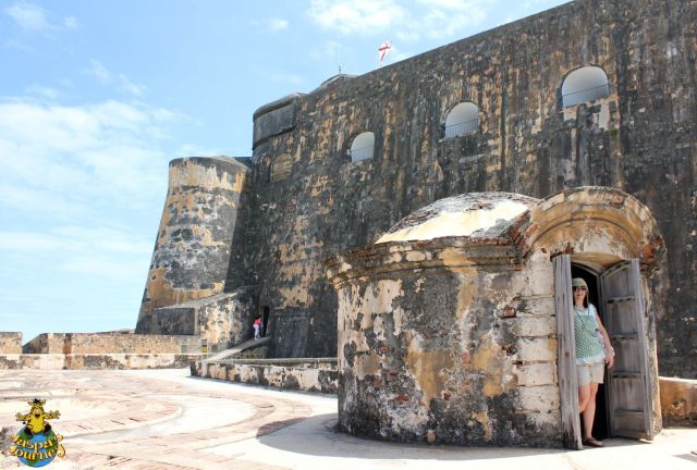 El Morro's upper ramparts, with tunnels going in all directions